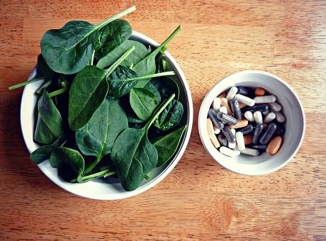 5 Natural Medicine Cabinet Essentials