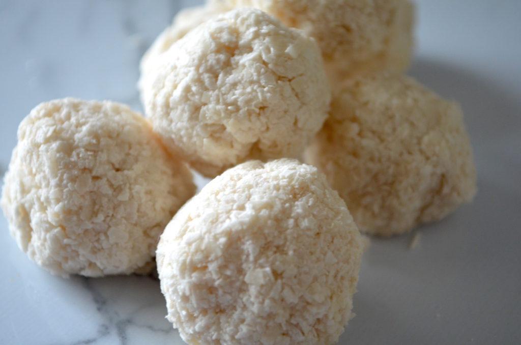 Keto Coconut Snowballs