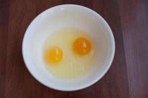 cracked-eggs